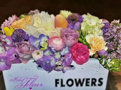 Missfleur – Cos de ceramica cu flori