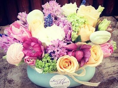 Aranjament floral in vas de ceramica Spring