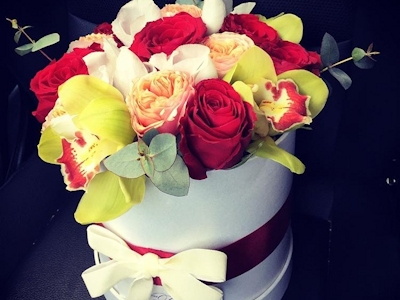Miss Fleur – Cutie florala Orchids & Roses